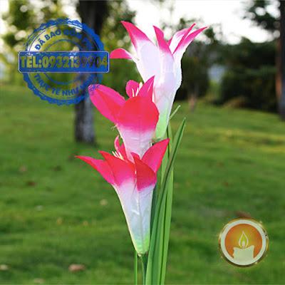 Đèn led hoa Lily dùng pin năng lượng mặt trời