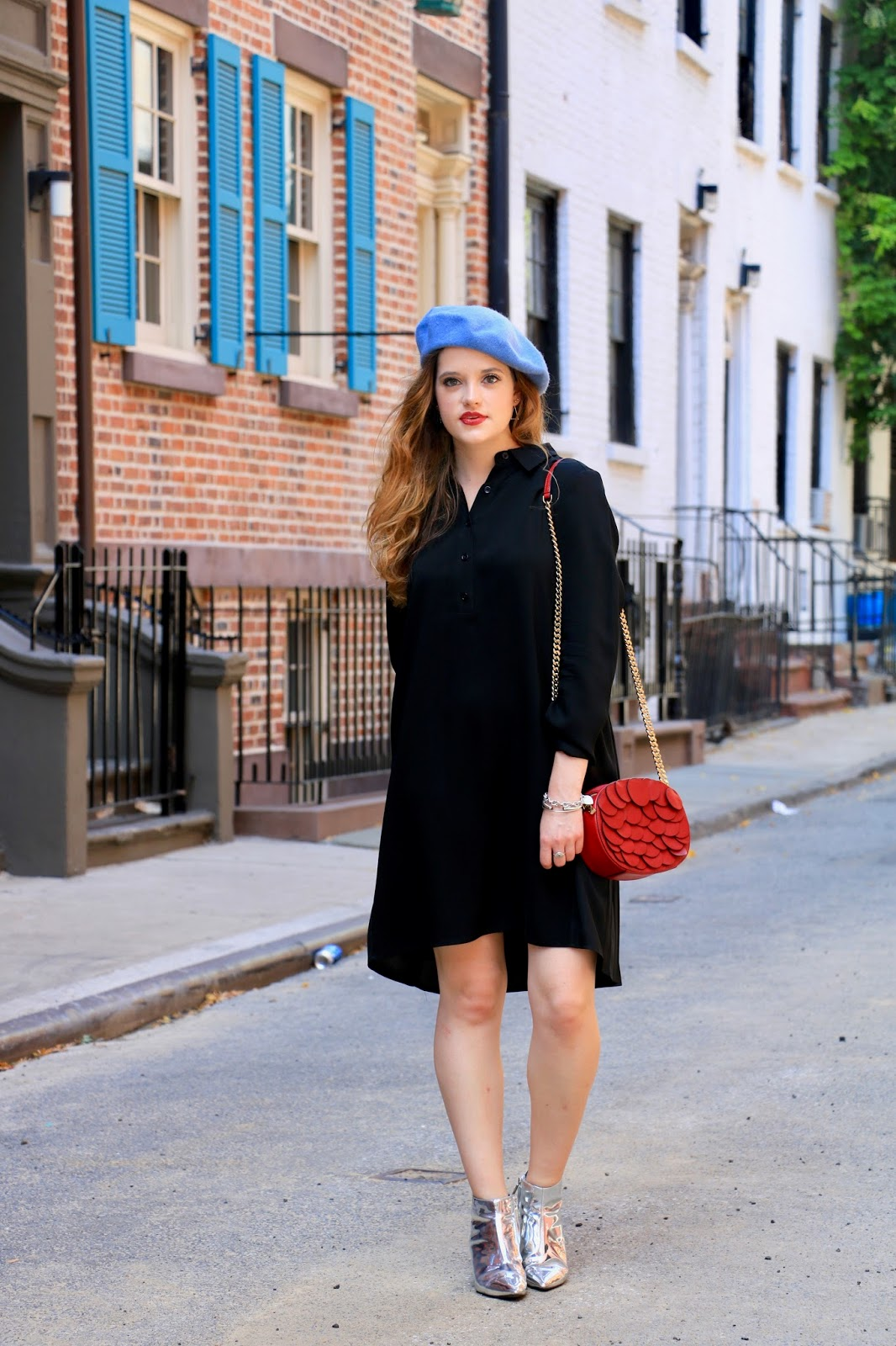 Fashion blogger Kathleen Harper showing off fall street style in NYC
