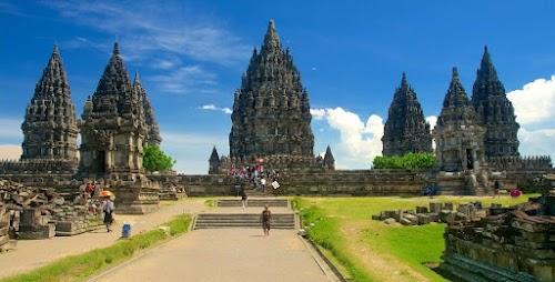 Paket Tour Jogja 1 Hari Prambanan - Keraton - Museum Affandi + Taman Sari Tour