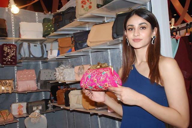 Aditi Arya Latest Cute Image Gallery Navel Queens