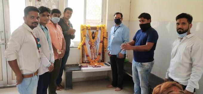 परशुराम जयंती पर ब्राह्मण समाज के युवकों ने किया रक्तदान