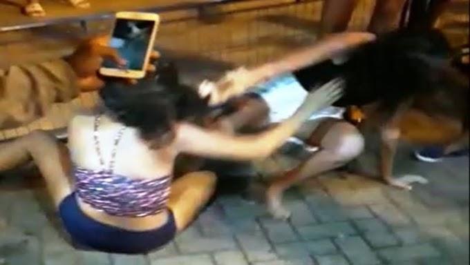 ESCÂNDALO: Garota encontra ex-namorada com amigas e parte para a violência