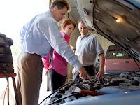 Tips Mudah dan Aman yang Bisa Diterapkan Saat Membeli Mobil Second
