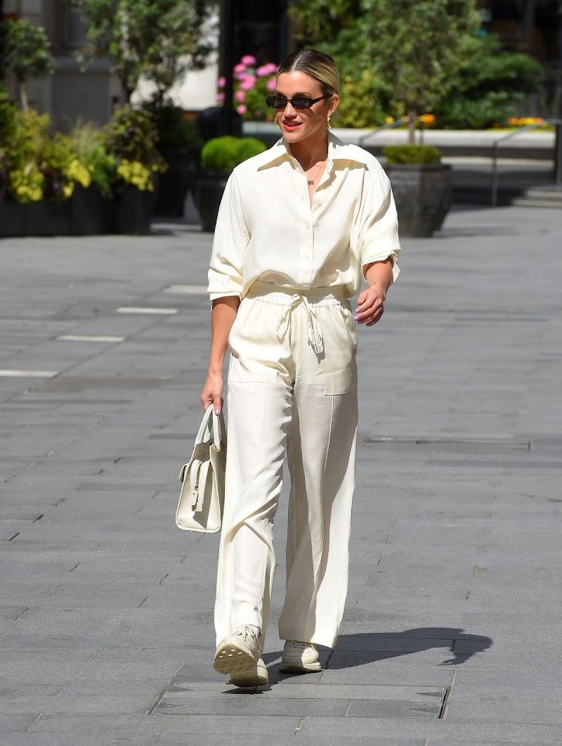 Ashley Roberts Snapped at Global Radio Studios in London 16 Jun -2020