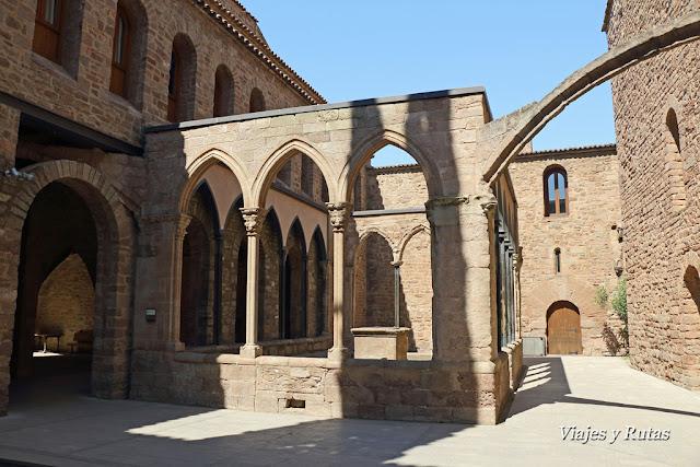Sala de los arcos del castillo de Cardona, Barcelona