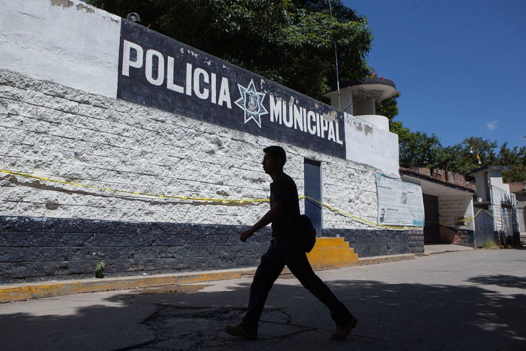 Pese a ser de los más buscados por la PGR, exjefe policiaco de Iguala nunca salió de ahí en 2 años