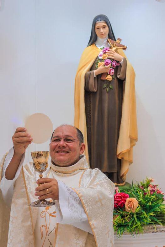 Elesbão Veloso: Padre Miguel Junior divulga vasta programação da igreja para o mês de fevereiro.
