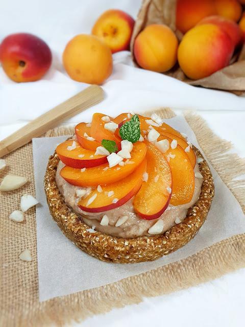 TARTE SANS CUISSON AMANDES/ABRICOTS (sans lactose, sans gluten, sans oeuf, vegan)
