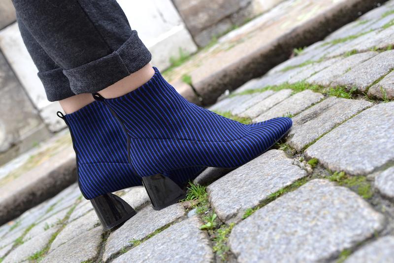 bottines chaussettes rayé bleu et noir Zara