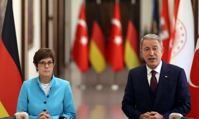Βερολίνο: ''Να ξεκινήσουν οι διαπραγματεύσεις Ελλάδας-Τουρκίας'' - Η Γερμανίδα υπουργός Άμυνας ζήτησε συμφωνία στην Α. Μεσόγειο μετά από συνάντηση με τον Χ. Ακάρ