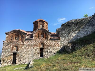 Eglise St Trinité dans le chateau de Berat en Albanie