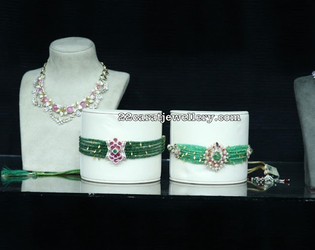 Emerald Beads Choker with Diamond Lockets