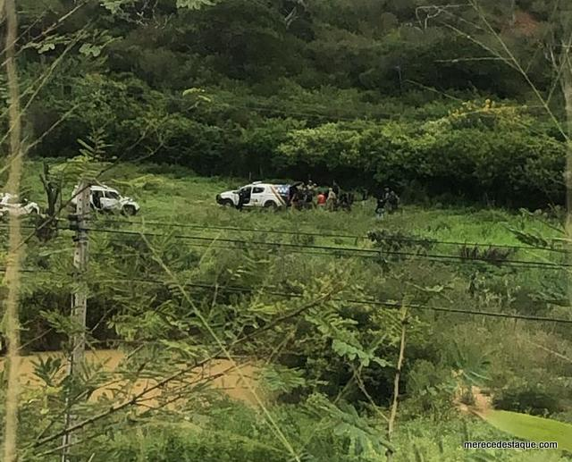 Intensa troca de tiros entre policiais e assaltantes terminou com policiais atingidos e um criminoso morto em Taquaritinga do Norte