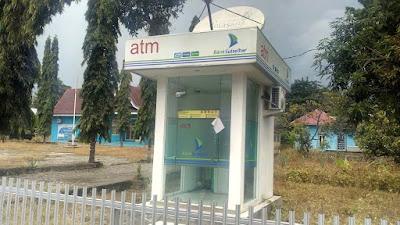 ATM Bank Sulselbar di Maniangpajo Disorot, Camat dan Mantan Camat Beda Pendapat