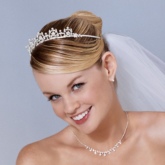 WEDDING COLLECTIONS: Hairstyles For Short Hair