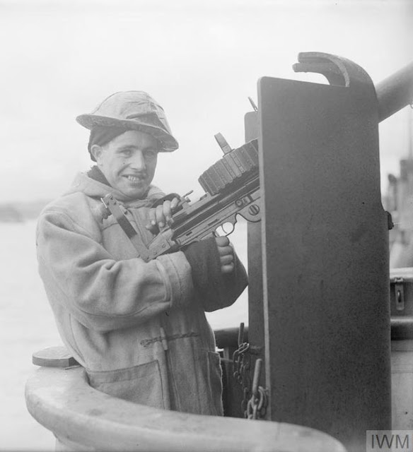 British anti-aircraft gunner, 20 March 1942 worldwartwo.filminspector.com