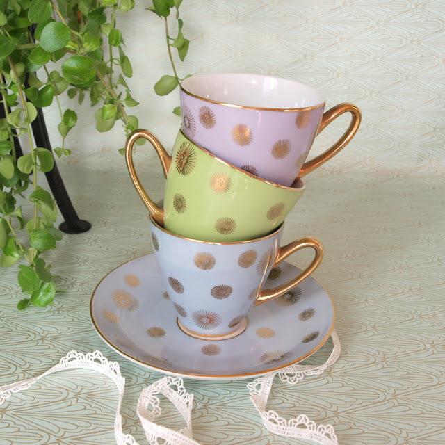old coffee cups старые кофейные чашки