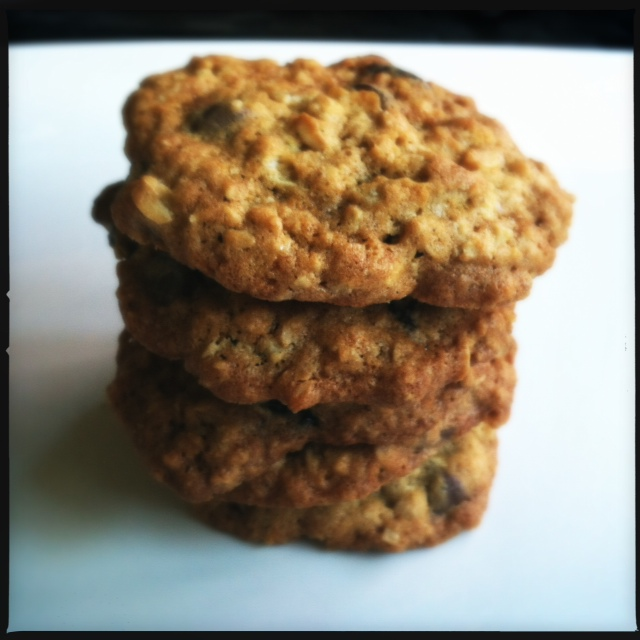 Food Network Crispy Oatmeal Raisin Cookies