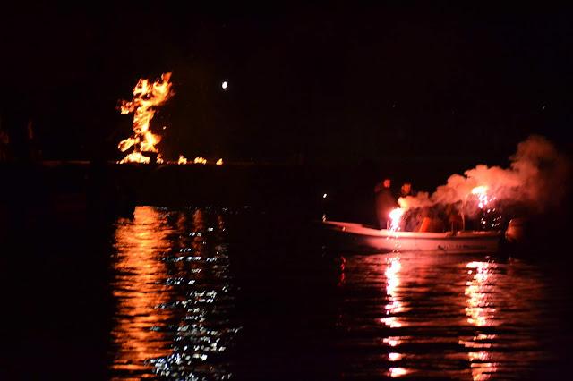 Πρέβεζα: Με βαρκαρόλα και την καύση του Βασιλιά Καρνάβαλου κορυφώθηκαν οι καρναβαλικές εκδηλώσεις