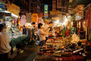 Suasana di pasar tradisional Penang