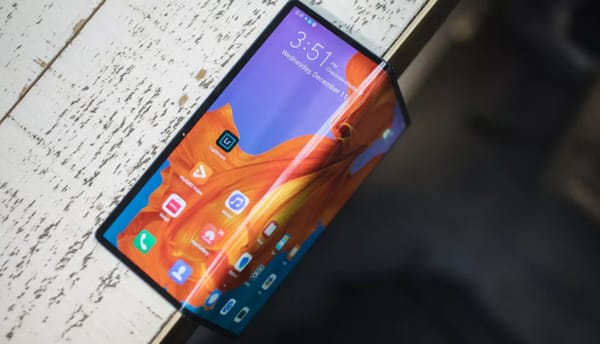 Patents reveal Huawei foldable cell phone design