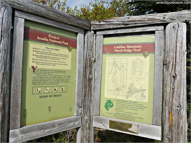 Cartel Informativo del Monte Cadillac del Parque Nacional Acadia en Maine