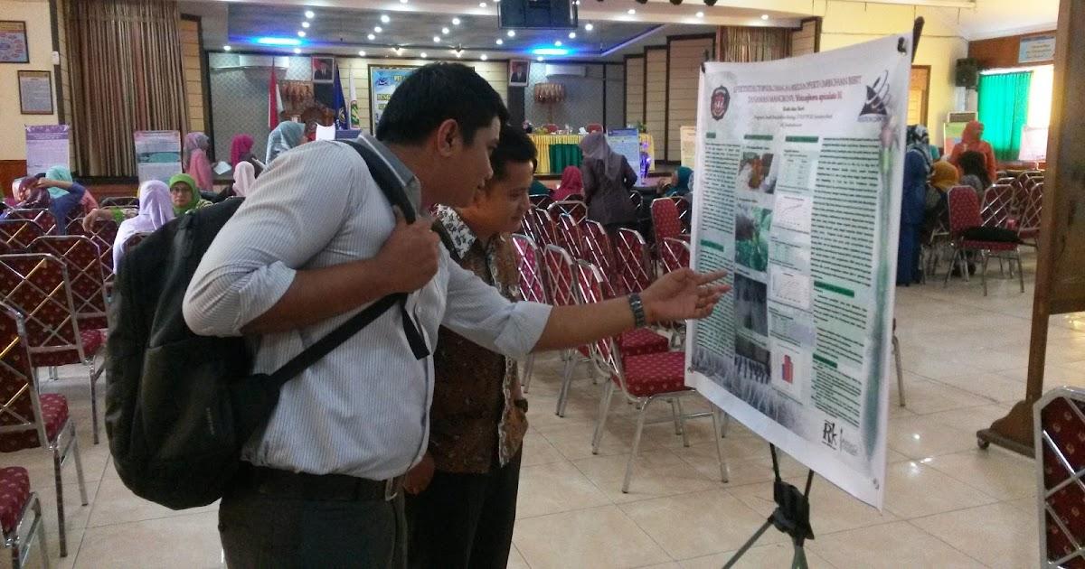 Pameran Poster Hasil Penelitian di STKIP PGRI Sumatera Barat