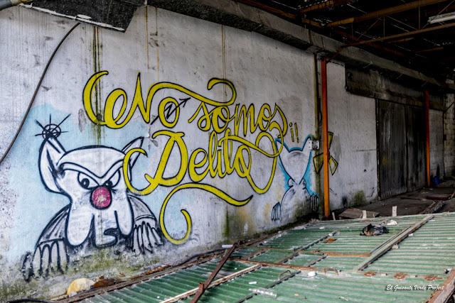 Mural 'No somos delito', Zorrozaurre - Bilbao, por El Guisante Verde Project
