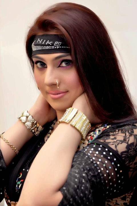 Hot Mujra: Nargis hot hd film mujra dance video