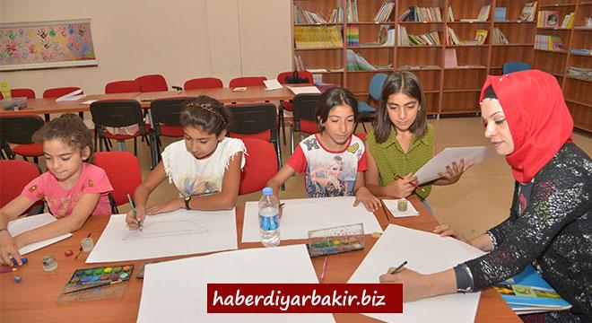 Diyarbakır Büyükşehir Belediyesi'nin yaz kursları sona erdi