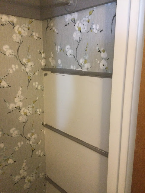 how to match up the wallpaper