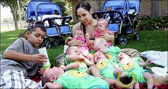 5 Ibu di Dunia yang Melahirkan Anak Kembar Delapan