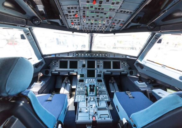 Antonov An-225 cockpit