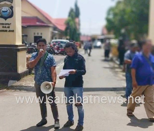 HMI Pinrang Demo, Tuntut Oknum Pemukulan Kader Dan Pembakaran Atribut HMI Di Tangkap