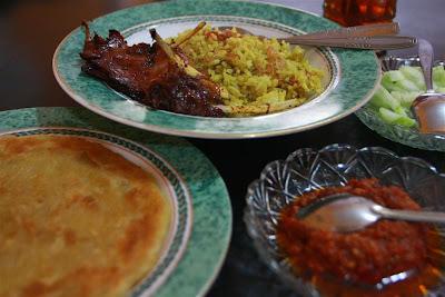 Rumah Makan Djawas yang terkenal dengan Nasi Kebulinya.
