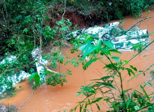 Avião cai próximo a Serraria do Alceu e deixa várias pessoas mortas