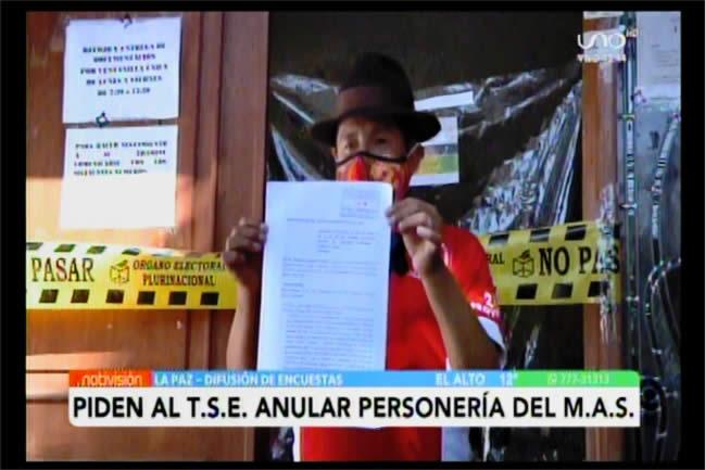 Tata Quispe, líder de Somos Pueblo, presenta otra denuncia contra el MAS para inhabilitar a sus candidatos