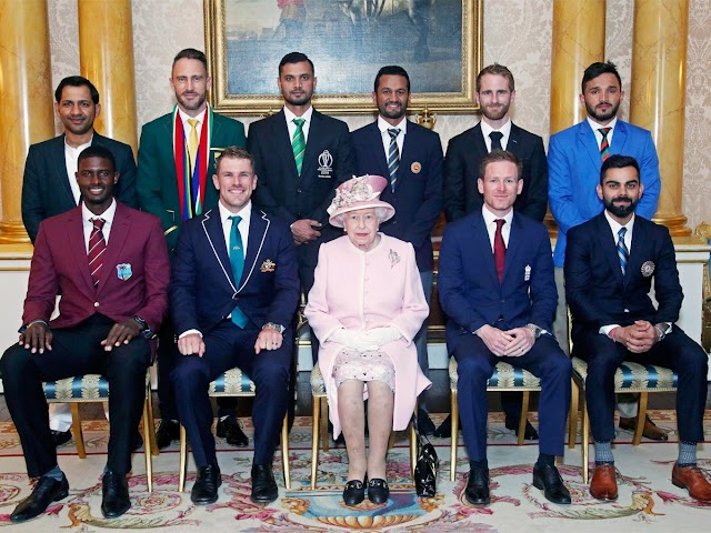 The 10 #CWC19 Captains with the Queen.