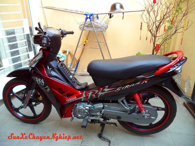 Sơn xe Yamaha Sirius màu đỏ đen