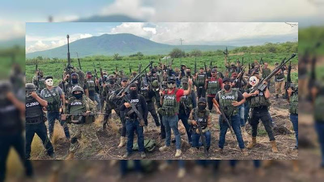 Con los Barret . 50 apuntando al cielo El CJNG amenaza a capos de La Ruana, El Maguey es quien lidera al CJNG