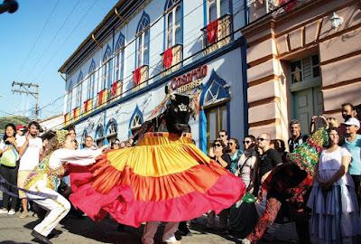 Sambada de Reis, vivência de DJ e teatro de bonecos são atrações do fim de semana no Sesc