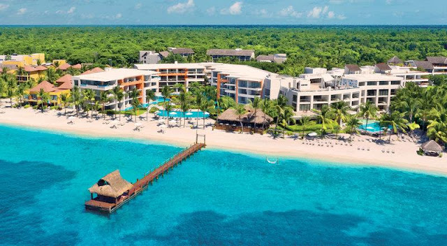 With so much of the island left untouched, those seeking a secluded and intimate vacation experience venture to Secrets Aura Cozumel to bask in the quiet luxury this coveted destination has to offer. As the only adults-only resort of its kind on the island, Secrets Aura Cozumel combines the amenities of Unlimited-Luxury® with the charm of a true coastal getaway.