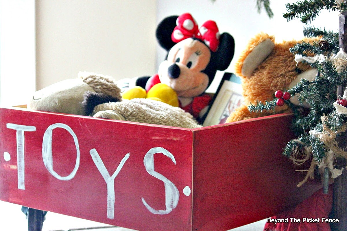 12 Days of Christmas Toy Box http://bec4-beyondthepicketfence.blogspot.com/2014/11/12-days-of-christmas-day-2-toy-box.html