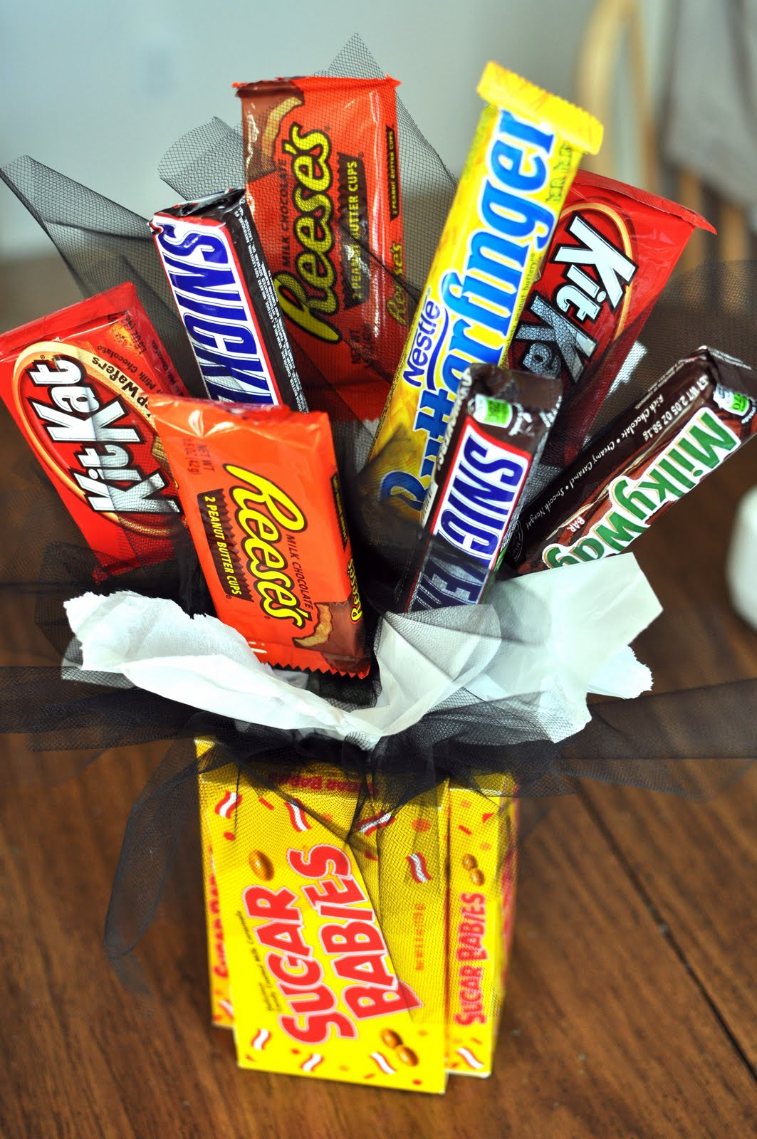 Candy Bouquet | Super Cool DIY Christmas Gifts For Teens