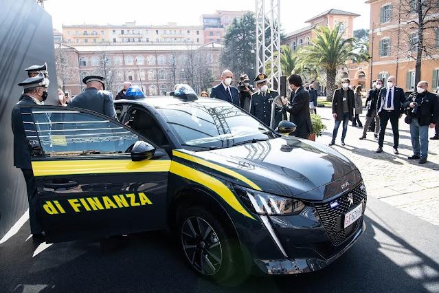 mobil polisi italia