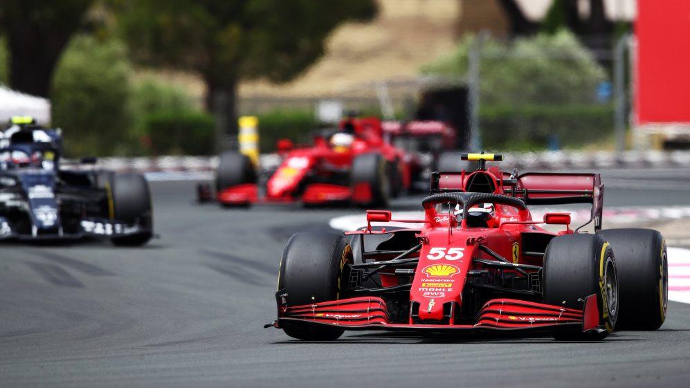 Graining fez com que as duas Ferraris fossem engolidas por seus rivais