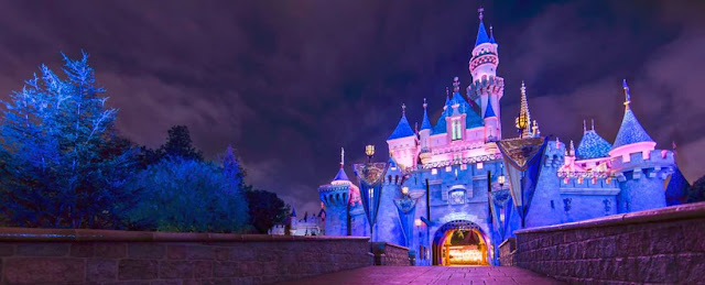 Trotamundo Viagens: Disneyland After Dark