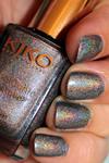 http://fioswelt.blogspot.de/2012/12/kiko-holo-nagellack-400-steel-grey.html