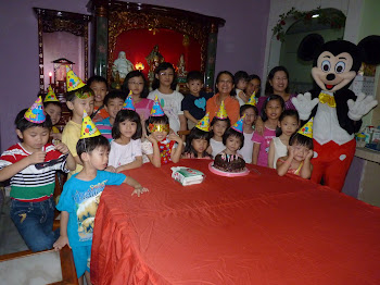 Mickey at Children`s birthday party