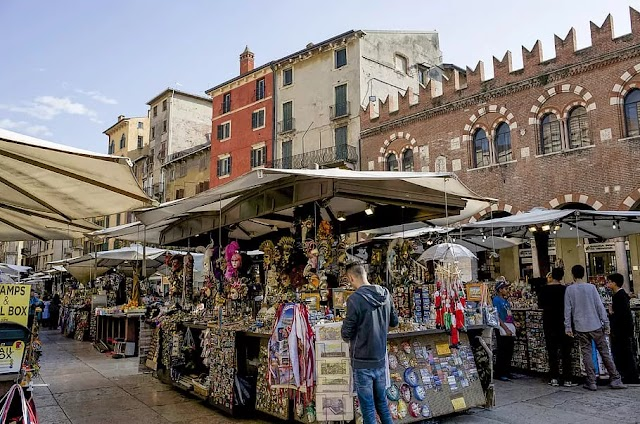 Describe A Street Market In Your City | IELTS Cue Card For Speaking Part 2